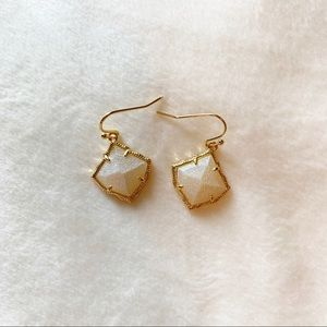 Kendra Scott | Kirsten Earrings Pearl White